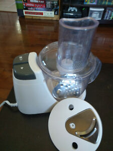 Small Food Processor With Attachments for Slicing and Grating