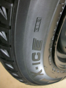 4 Michelin X-Ice 2     Size 215 60 16 / Steel Rims 5 x 114.3mm