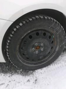 Pneu hiver 235-45 r17 marshall