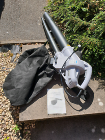 Electric leaf blower in perfect condition