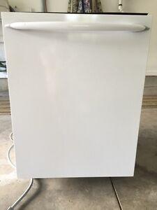 White Maytag Dishwasher - Tall Tub Stainless Interior