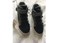 Bnwt Boys trainer boots size 10