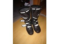 Size 5 Trophy motocross boots