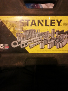 Selling stanley socket set 85 piece