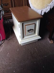 Coffee and end tables.  Peterborough Peterborough Area image 7