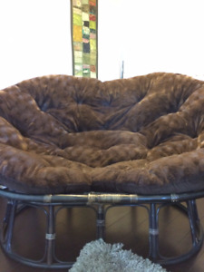 FREE - Papasan Double Chair (indoor/outdoor)