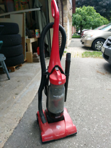 Dirt Devil featherlite cyclonic vacuum