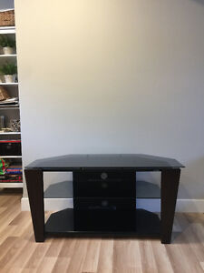 Brand new, excellent condition glass and wooden TV table