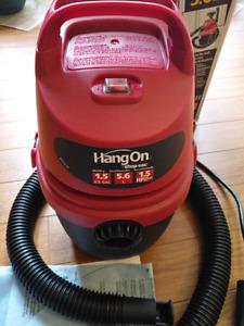 1.5 Gallon 2.0 Peak HP Hang On Wet/Dry Vacuum