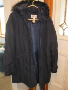 FOR SALE:  Brand new lady's navy blue coat - size Medium)