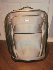 """Samsonite Expandable 32"""" Luggage - Great Condition!"""