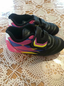 Soccer shoes toddler size 10