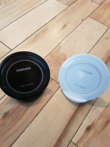 Samsung charging pads choice black or white