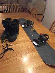 Quicksilver Snowboard and Forum Boots