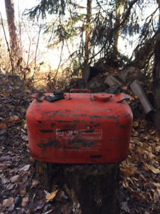 Vintage gas cans for Motor boats