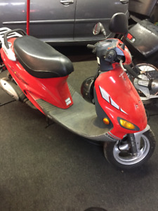 2000 Kymco Scooter - BRAND NEW