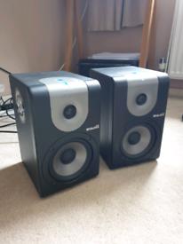 M1 520 active speakers
