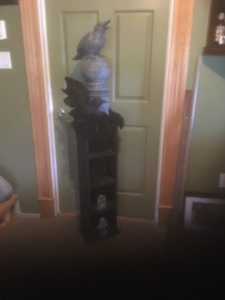 5 foot Halloween Pillar Decoration Hand made Crows, Gargoyle,