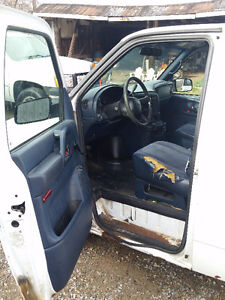 2002 Chevrolet Astro Maintenance Van London Ontario image 4