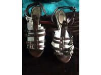 Brown chunky heeled sandals new size 7