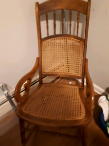 Moving must sell multiple household items