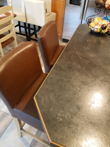 Kitchen Island/Bar Stools