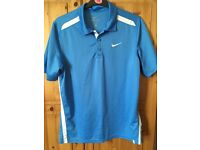 Size M Nike golf top