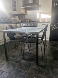 KITCHEN TABLE AND CHAIRS.. PRICE DROP
