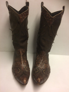 UNISEX Robert Cavalli Couture Boot$275.00 OBO