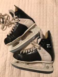 CCM skates size 3.5