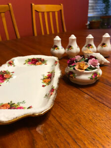 Royal Albert Old Country Roses Accessories
