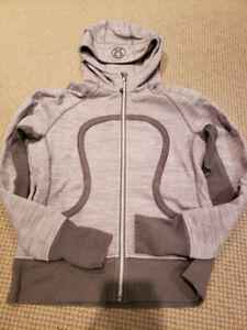 Excellent like new Lululemon Scuba hoodie sz10
