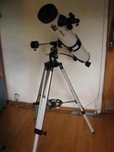 "Meade Model 4400 Equatorial 4.5"" mirror Reflecting Telescope"
