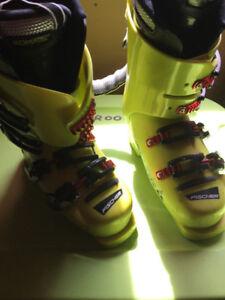 Ladies size 7 Fischer Ski boots