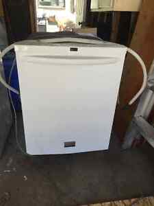 Mint condition Frigidaire white built in dishwasher