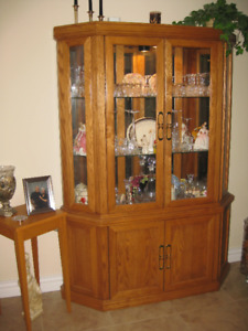 Dining set, buffet/hutch and table six chairs Oak