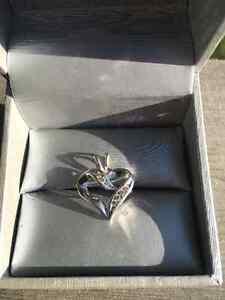 Beautiful white gold heart pendant
