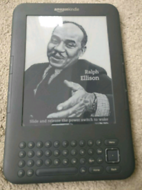 Graphite AMAZON KINDLE 3rd Generation 4GB 3G & WIFI with