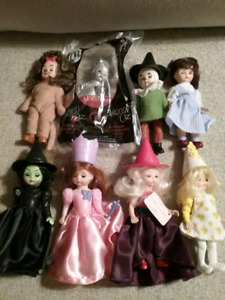 2007 Wizard Of Oz Set Of (8) Dolls