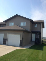 LOVELY 3 BEDROOM TOWNHOUSE IN WARMAN FOR RENT