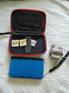NINTENDO 3DS, CARRYING CASE, CHARGER, AND 3 GAMES