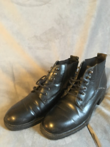 Ladies Boot style shoes size 7