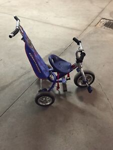 Tricycle enfant 2-3 ans 25$