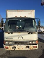 Camion Hino à vendre