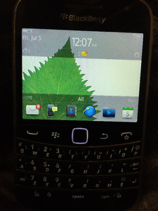 Blackberry Bold 9900 in Good Condition