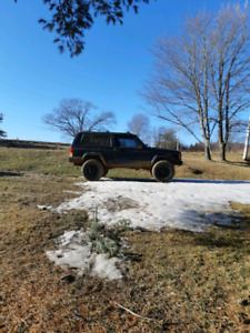 I'm looking for a late 90s jeep Cherokee parts rig
