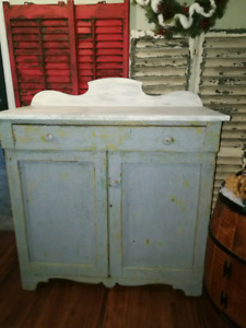 Farmhouse Chippy Cupboard