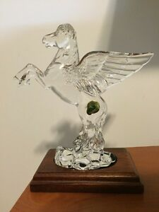 Waterford Crystal Pegasus & Stand Price negotiable West Island Greater Montréal image 1