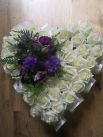 Artificial flower wreaths for cemetery