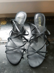 Womens shoes, size 9-10